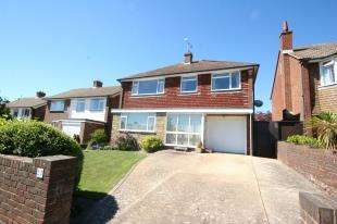 4 Bedrooms Detached House for sale in Stuart Avenue, Eastbourne, East Sussex