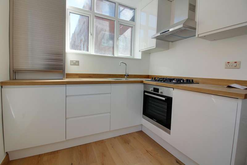 Flat for sale in Well Street, London, E9