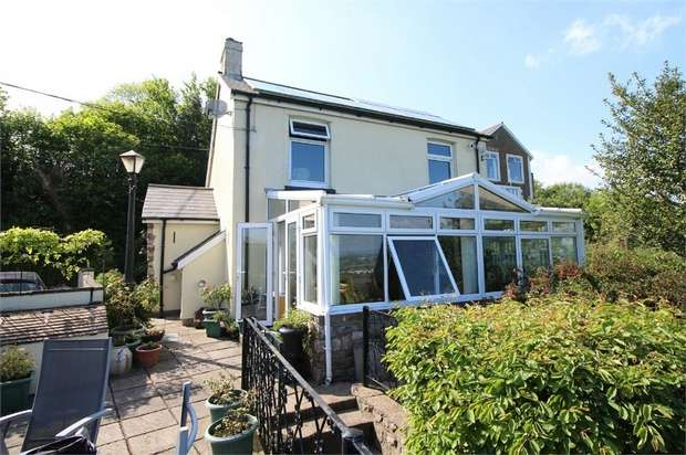 3 Bedrooms Detached House for sale in Rose Cottage, Penyrheol, PONTYPOOL, Torfaen