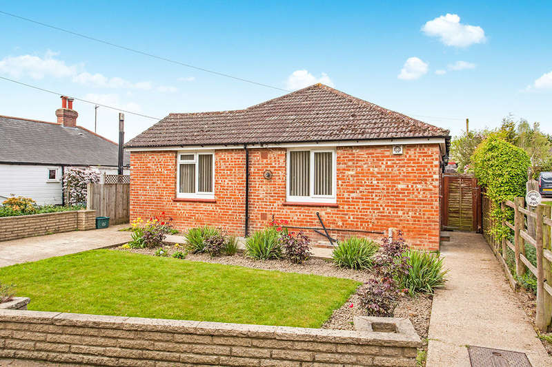 3 Bedrooms Detached Bungalow for sale in Church Road, Paddock Wood, Tonbridge, TN12