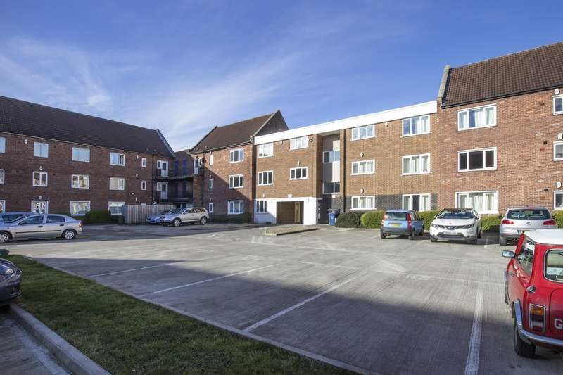 2 Bedrooms Apartment Flat for sale in Kirkley Lodge, Gosforth, Newcastle Upon Tyne