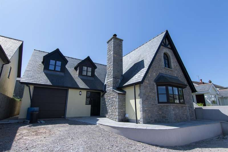 4 Bedrooms Detached House for sale in Rock Road, St. Athan, Barry