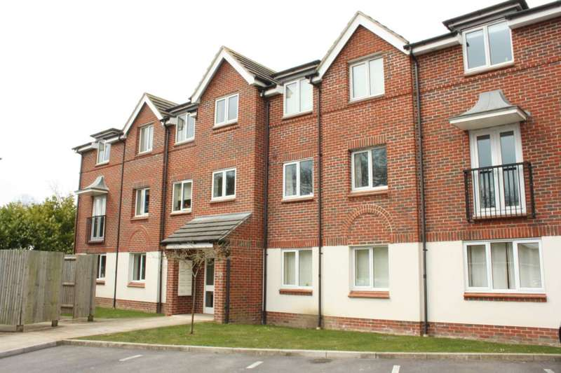 2 Bedrooms Flat for sale in Benham Drive, Spencers Wood