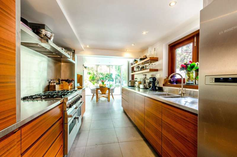 5 Bedrooms House for sale in Florence Road, Stroud Green, N4