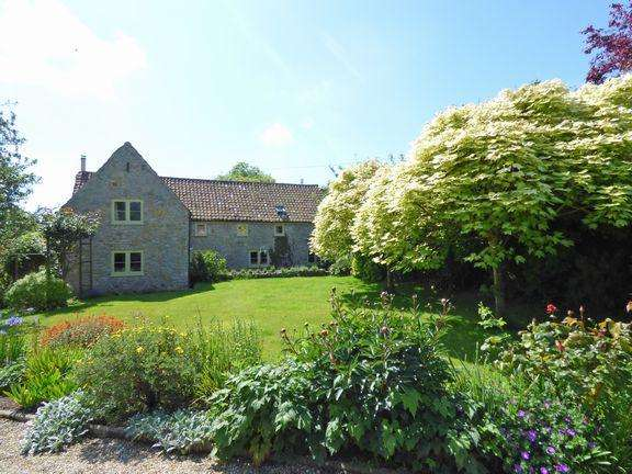 3 Bedrooms Barn Conversion Character Property for sale in Shurton