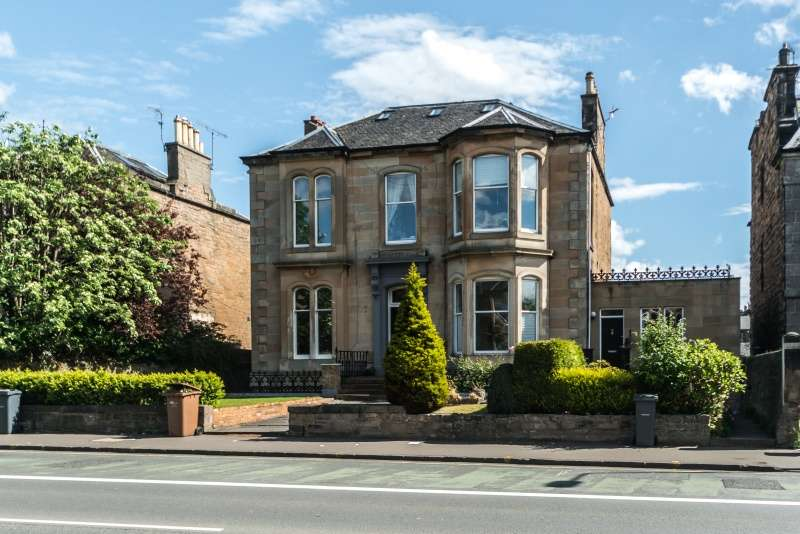 4 Bedrooms Flat for sale in Mayfield Gardens, Newington, Edinburgh, EH9 2BX