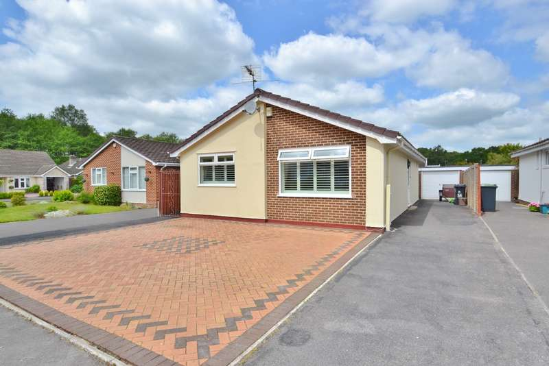 2 Bedrooms Detached Bungalow for sale in West Moors