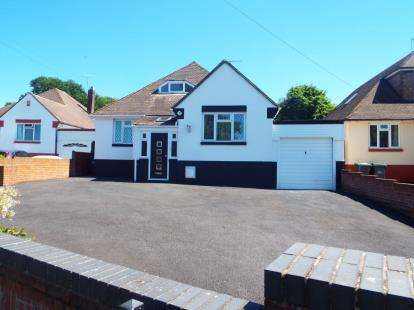 3 Bedrooms Bungalow for sale in Widley, Waterlooville, Hampshire