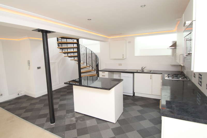 2 Bedrooms Maisonette Flat for sale in Lower Compton, Plymouth