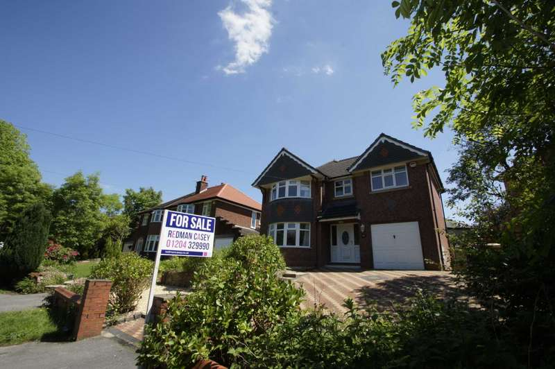 4 Bedrooms Detached House for sale in Lever Park Avenue, Horwich