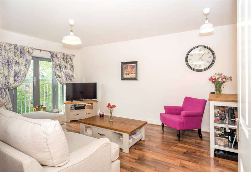 2 Bedrooms Flat for sale in Musgrave House, St. Johns Walk, York, YO31