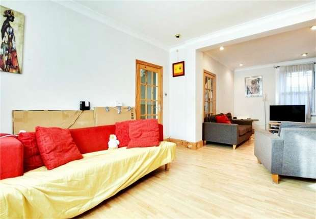 3 Bedrooms Terraced House for sale in Ambleside Road, Harlesden, London