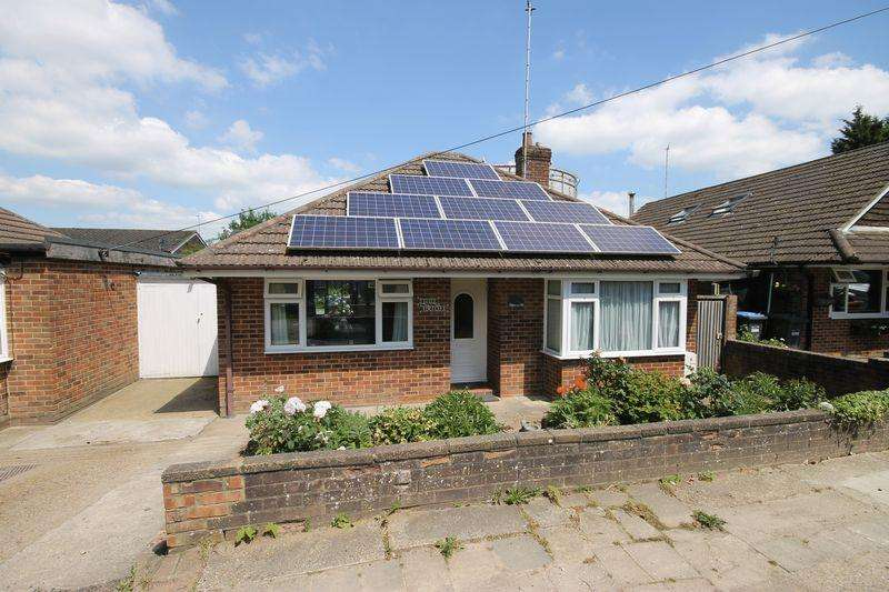 2 Bedrooms Detached Bungalow for sale in Freeks Lane, Burgess Hill, West Sussex