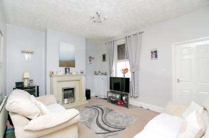 3 Bedrooms Terraced House for sale in Hempshaw Lane, Offerton, Stockport, Cheshire