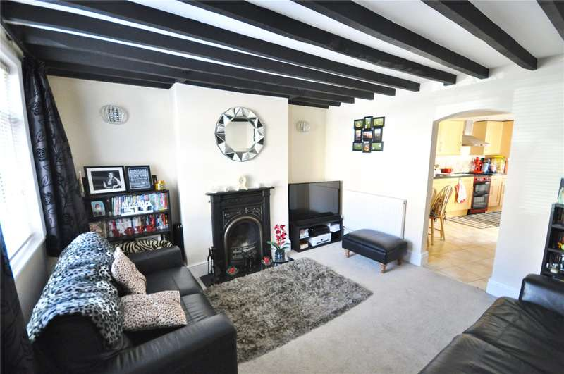 2 Bedrooms Detached House for sale in St. Philips Road, Upper Stratton, Swindon, Wiltshire, SN2
