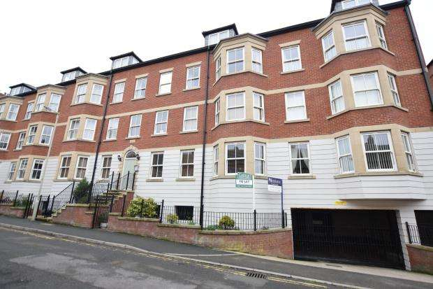 3 Bedrooms Apartment Flat for sale in Castle Heights, Marlborough Street, Scarborough, North Yorkshire, YO12 7GY