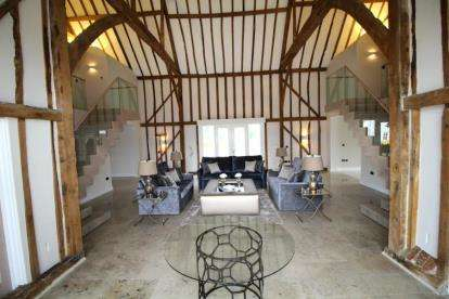 4 Bedrooms Barn Conversion Character Property for sale in Old Lodge Court, Beaulieu Park, Chelmsford, Essex