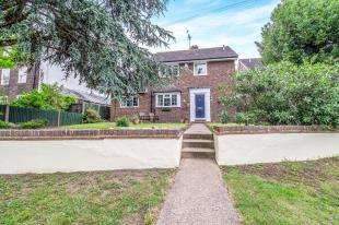 4 Bedrooms Detached House for sale in High Street, Wouldham, Rochester, Kent