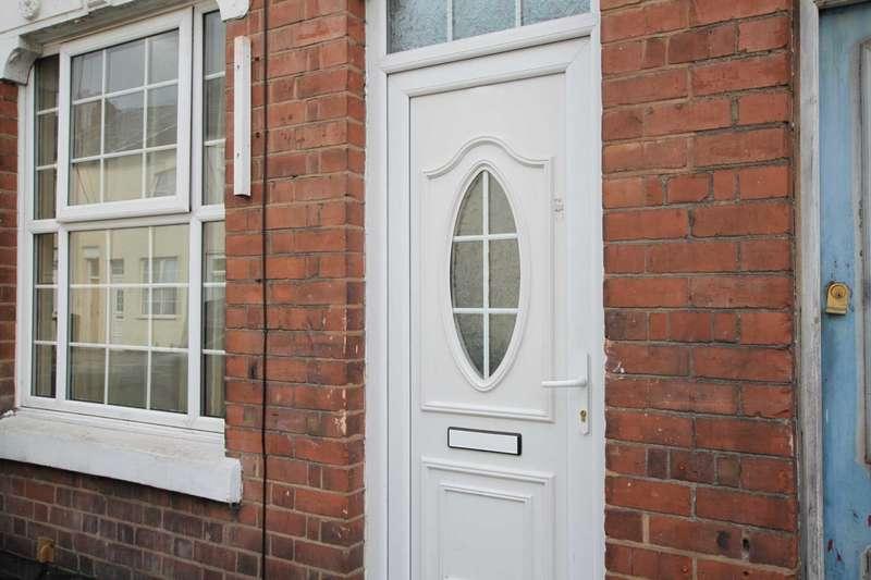 2 Bedrooms Terraced House for sale in Prosser Street, Wolverhampton