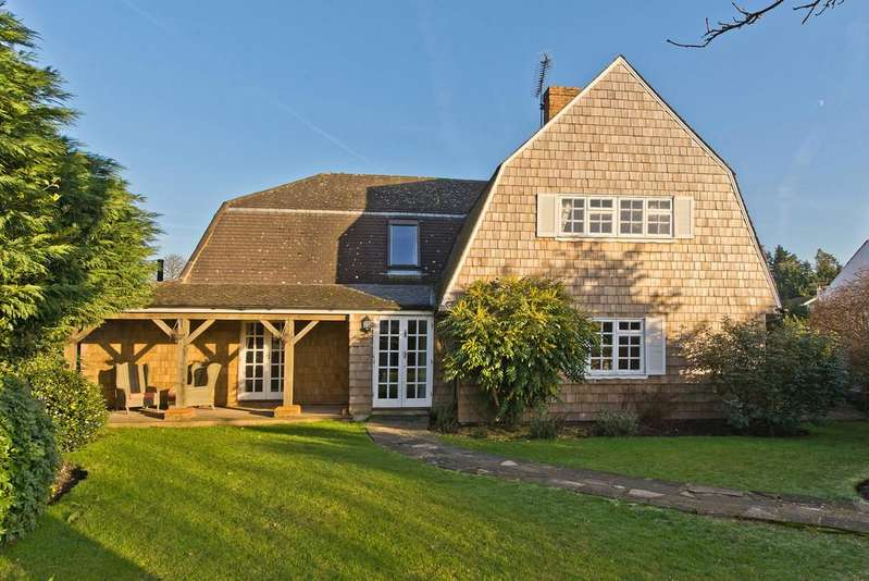 4 Bedrooms Detached House for sale in Chestnut Avenue, Esher