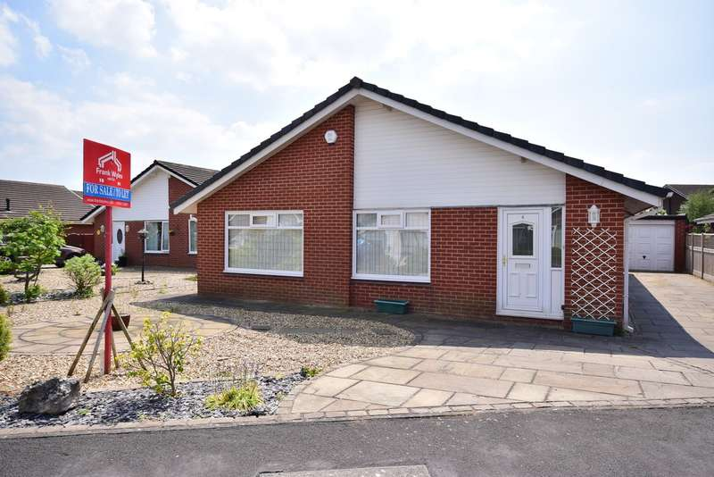 3 Bedrooms Detached Bungalow for sale in Hampton Court, Lytham St Annes, FY8