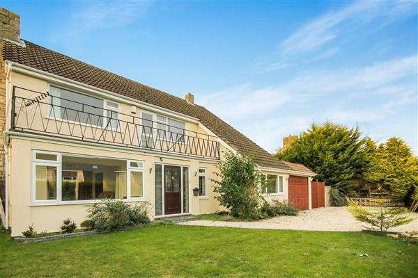 4 Bedrooms Detached House for rent in Carrbridge Close, Bournemouth