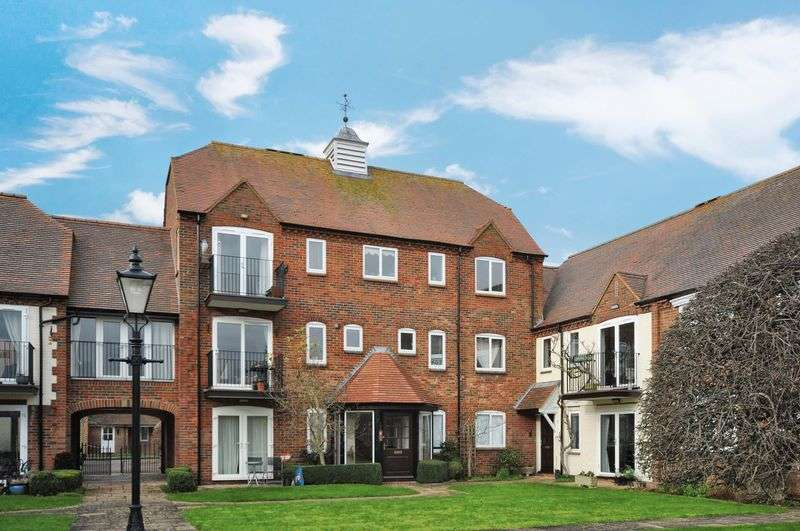 2 Bedrooms Property for sale in West Quay, Abingdon