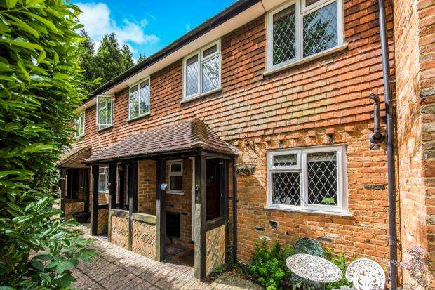 3 Bedrooms Terraced House for sale in Harvest Hill, Godalming, Surrey