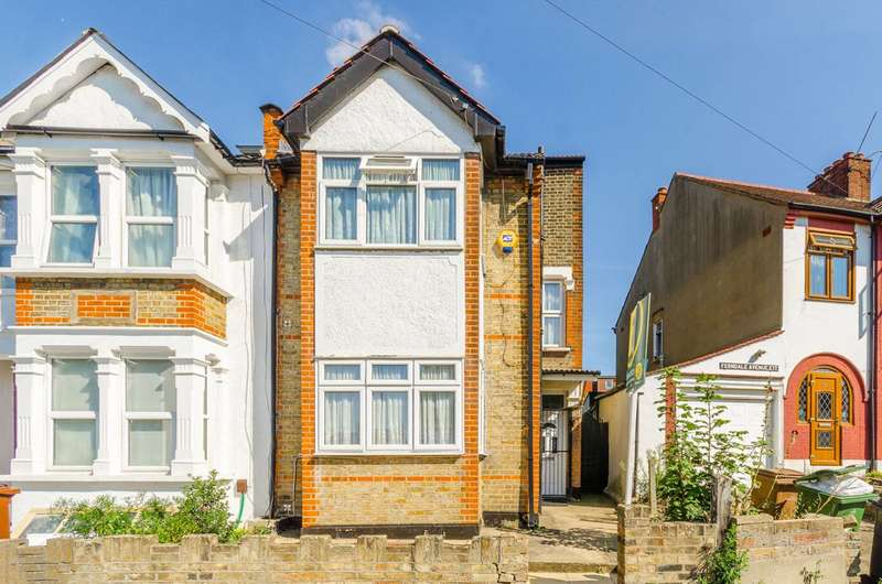 3 Bedrooms End Of Terrace House for sale in Roland Road, Walthamstow, E17