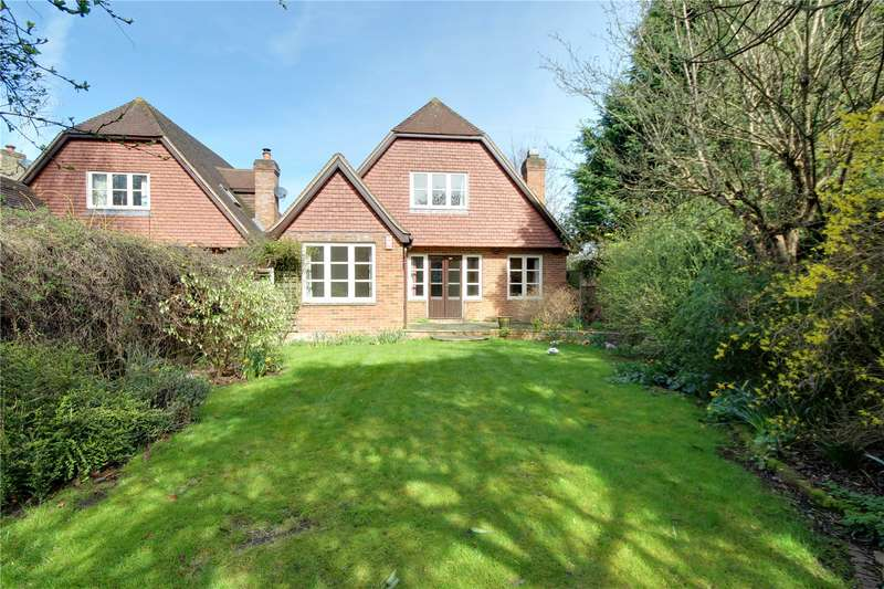 4 Bedrooms Detached House for sale in Village Road, Egham, Thorpe, TW20