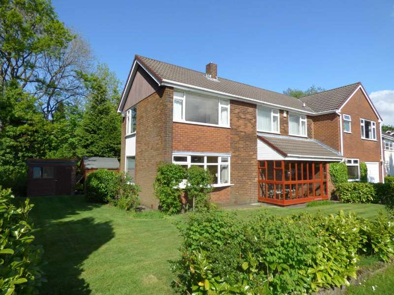 4 Bedrooms Detached House for sale in Woodland Park, Royton, Oldham, OL2