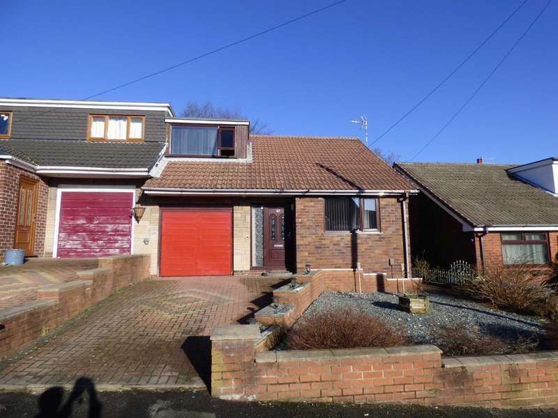 3 Bedrooms Semi Detached House for sale in Trent Road, Shaw, Oldham, OL2