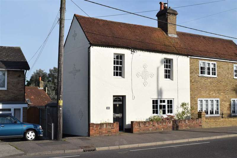 3 Bedrooms Semi Detached House for sale in Broomfield Road, Chelmsford