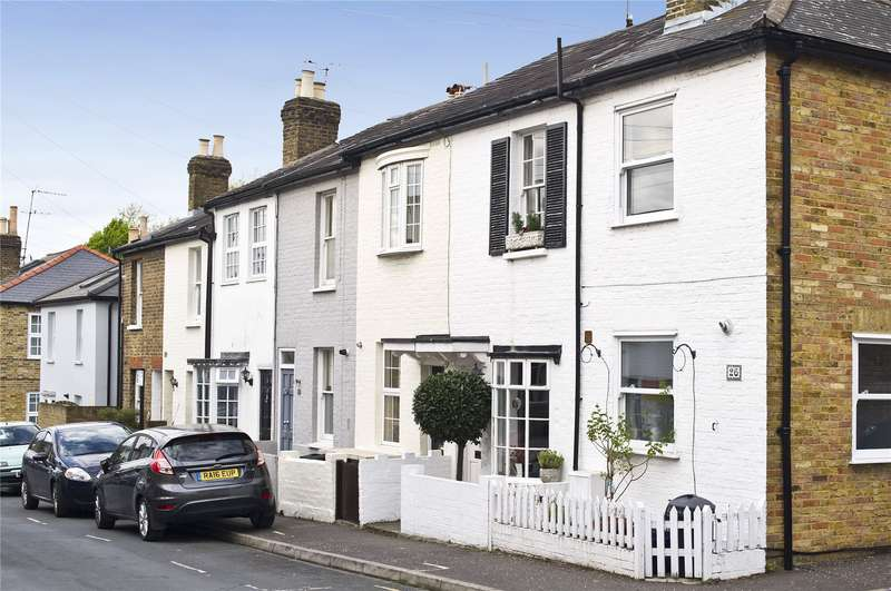 2 Bedrooms Terraced House for sale in Albert Road, Richmond, TW10