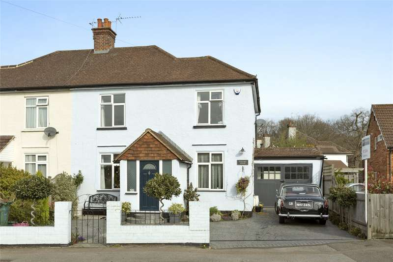3 Bedrooms Semi Detached House for sale in Steels Lane, Oxshott, Leatherhead, Surrey, KT22