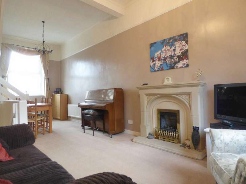 2 Bedrooms Terraced House for sale in Carrhill Road, Mossley, Ashton-under-lyne, Lancashire, OL5
