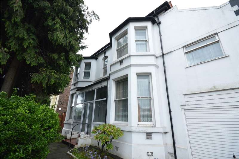 6 Bedrooms Detached House for sale in Queens Drive, Wavertree, Liverpool, L15