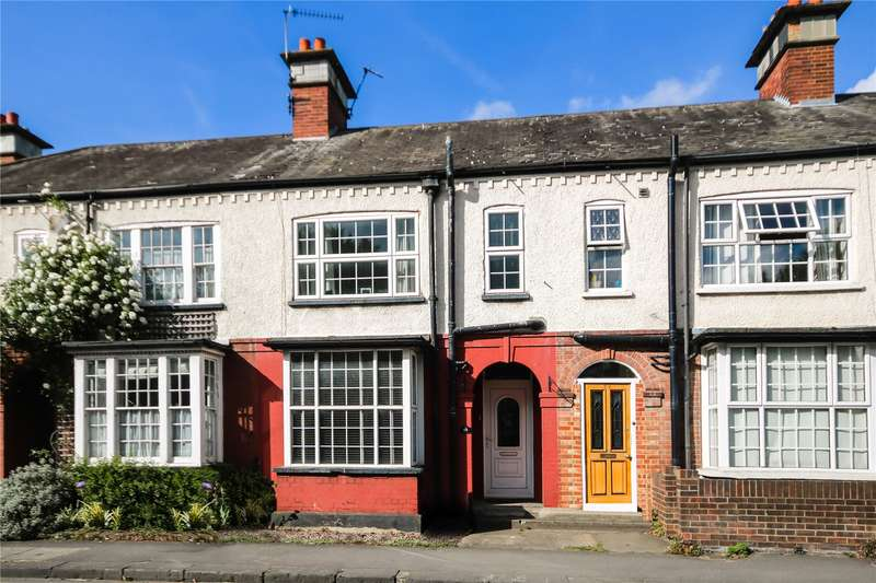 3 Bedrooms Terraced House for sale in London Street, Chertsey, Surrey, KT16