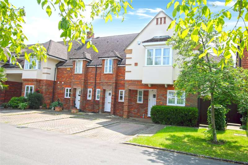 3 Bedrooms End Of Terrace House for sale in St. Martins Mews, Pyrford, Woking, Surrey, GU22