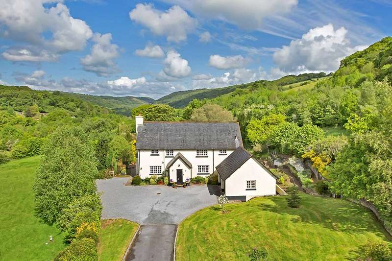 4 Bedrooms Detached House for sale in Bovey Tracey, Devon
