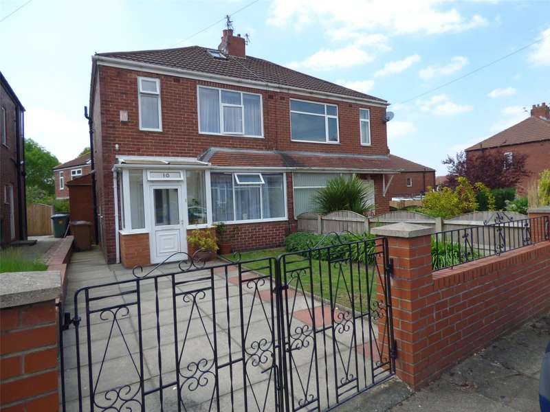 3 Bedrooms Semi Detached House for sale in Berwyn Avenue, Middleton, Manchester, M24