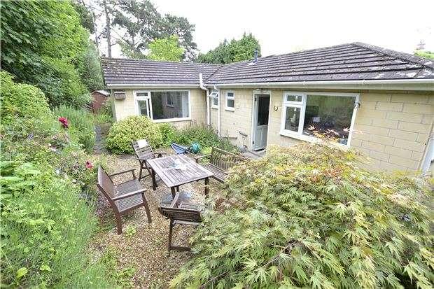 3 Bedrooms Detached Bungalow for sale in Newbridge Hill, BATH, BA1 3PU