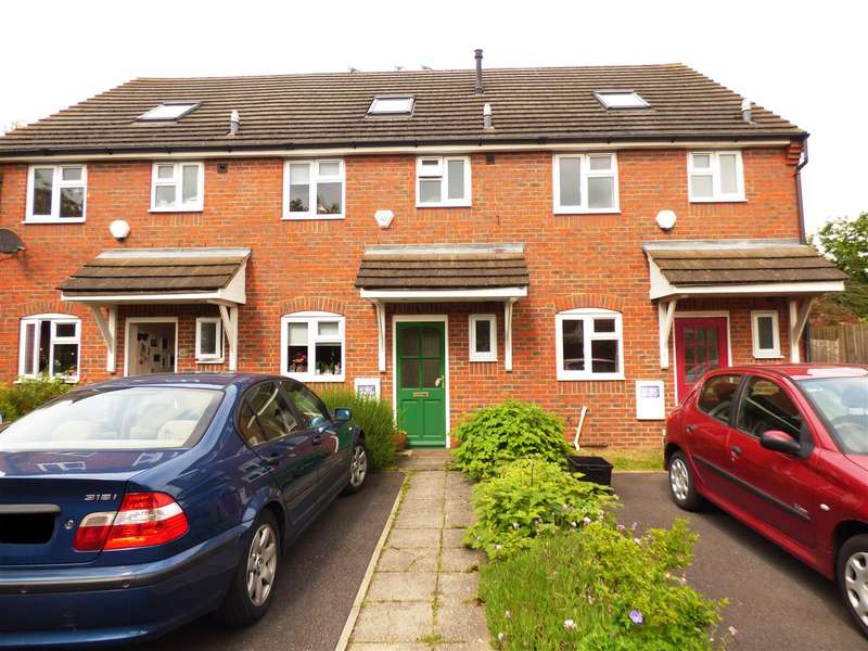 3 Bedrooms Terraced House for sale in Gardenia Avenue, Luton