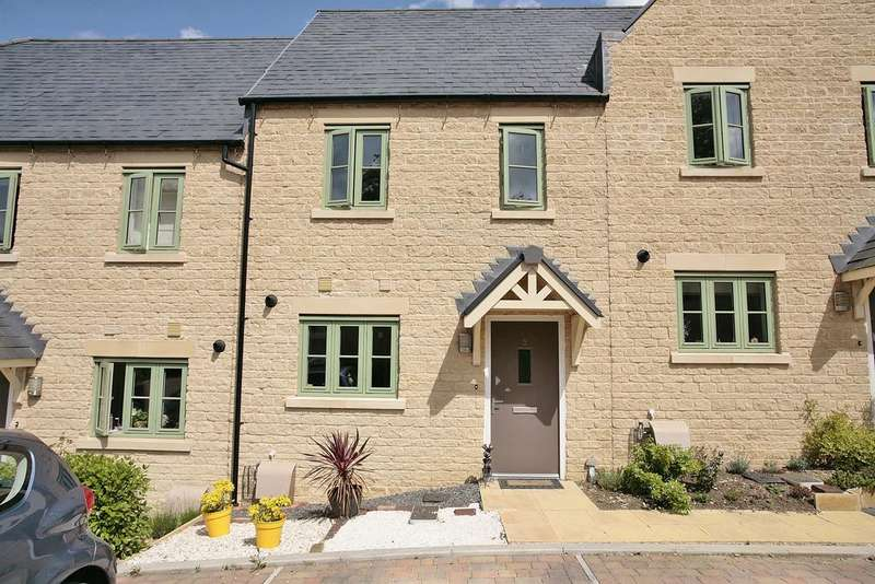 3 Bedrooms Terraced House for sale in Meteor Close, Upper Rissington gl54
