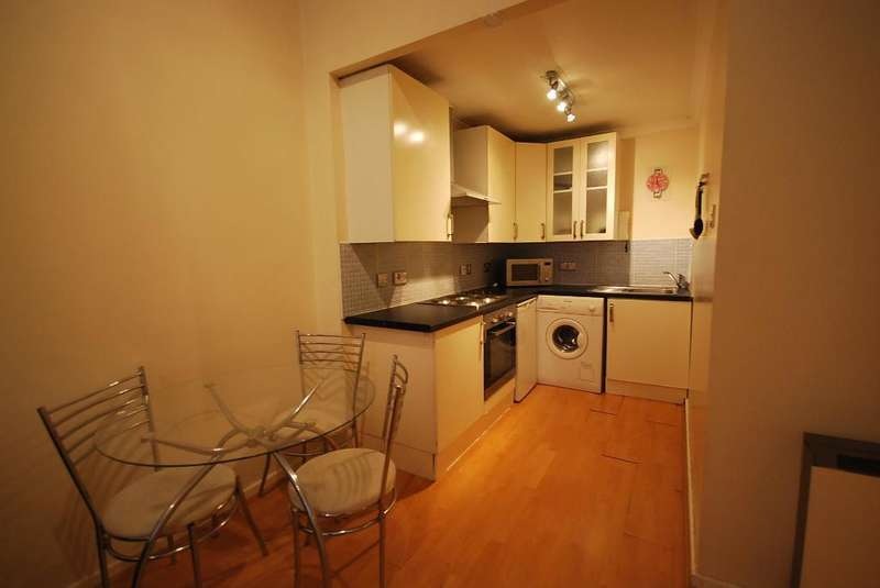 1 Bedroom Flat for sale in Lancaster House, Whitworth Street, Manchester, M1 6LQ