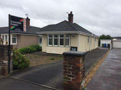 3 Bedrooms Bungalow for sale in South Strand, Fleetwood, Lancashire, FY7