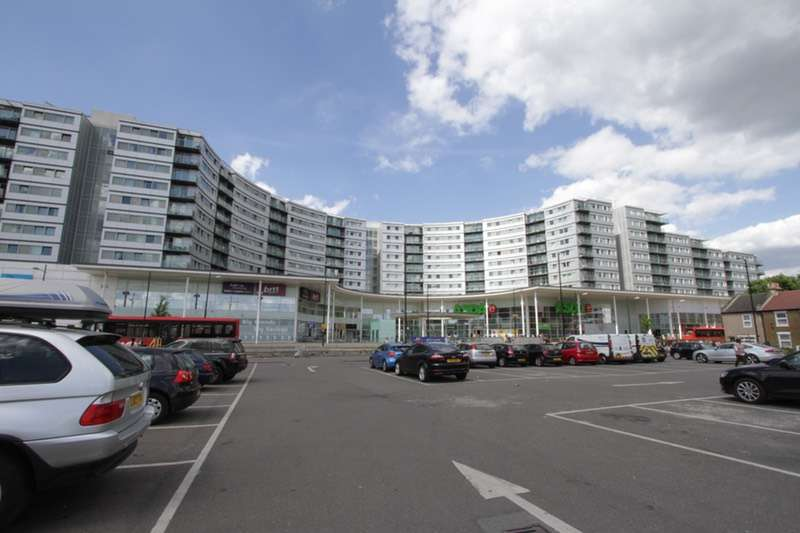 2 Bedrooms Flat for sale in prince regent road, hounslow, Middlesex, TW3