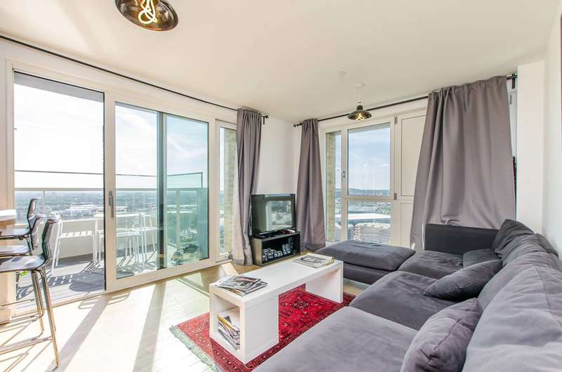 2 Bedrooms Flat for sale in Jefferson Plaza, Bow, E3