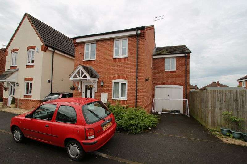 Property for sale in Blossom Way, Rugby