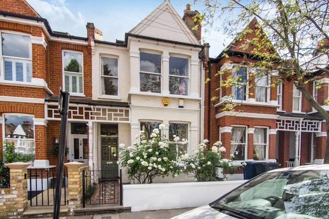 3 Bedrooms Terraced House for sale in Brookfield Road, Chiswick